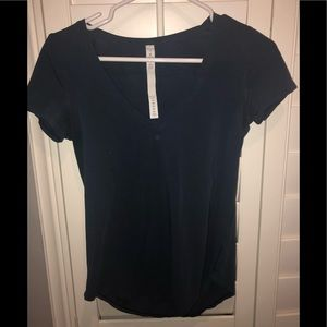 Lululemon short sleeve v neck